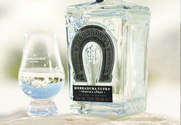 Herradura Ultra es el  tequila superpremium que Casa Herradura lanzó al mercado mexicano. (herradura.com)