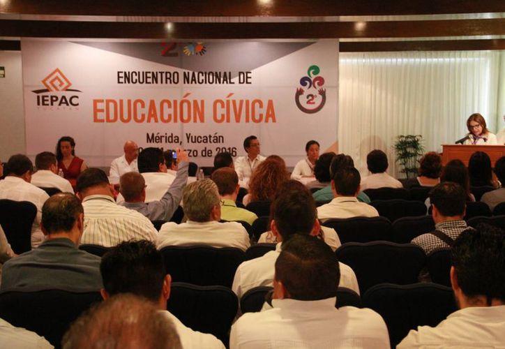 En el inicio del segundo encuentro nacional de educación cívica, en Mérida, que organiza el Iepac, se dio a conocer que impera el rechazo ciudadano hacia los organismos electorales. (Jorge Acosta/Milenio Novedades)