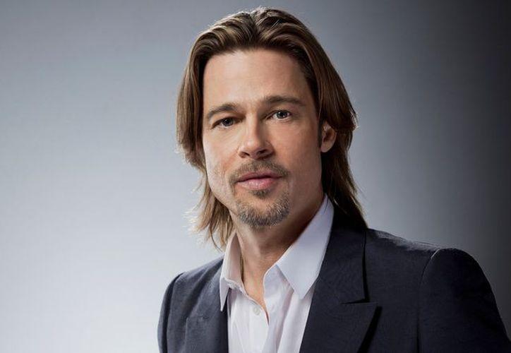 En abril pasado comenzaron las especulaciones de un romance entre Brad Pitt y Sienna Miller. (Contexto/Internet).