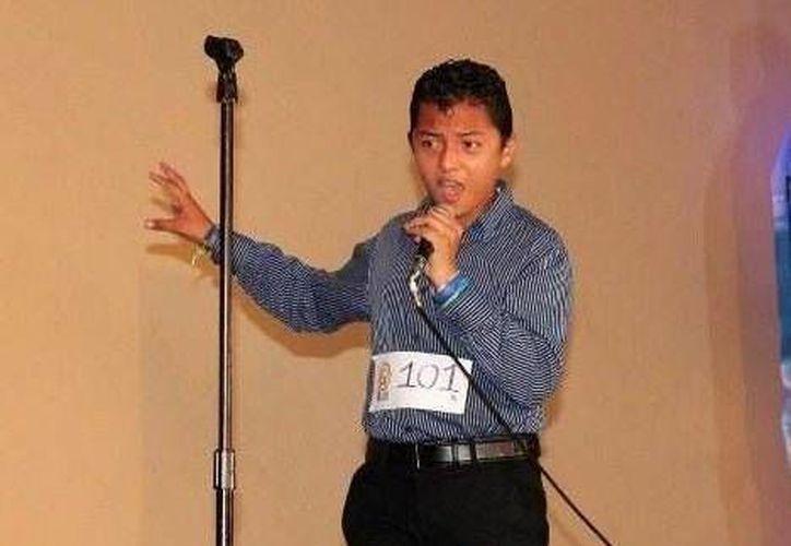 Manuel Aldair Davila fue elegido el pasado viernes, en el casting que organizó Azteca Yucatán en Valladolid. (Redacción/SIPSE)