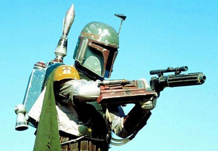 El cazarrecompensas Boba Fett tuvo la voz del actor Jason Wingreen en 'Star Wars: El Imperio Contraataca'. Wingreen falleció en Navidad junto a su familia en Los Ángeles. (Imagen tomada de el cineriodico.com)