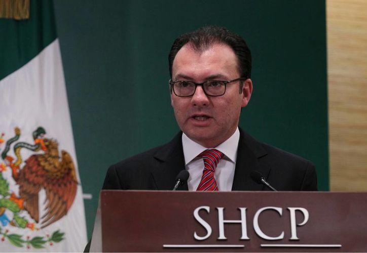 El secretario de Hacienda, Luis Videgaray Caso, anunció una serie de medidas que se implementarán de manera ordenada y con una visión de mediano plazo para hacer frente al complejo entorno que se prevé para 2016. (Archivo/Notimex)