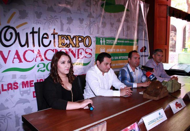En la foto, los organizadores durante el anuncio de la participación de más de 30 expositores en el evento.(Jorge Acosta/Milenio Novedades)