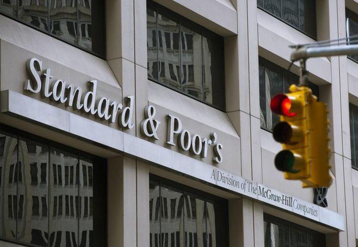 Oficinas de Standard&Poor's, que es una agencia de calificación de riesgo que considera que la moratoria de pago argentina no afectará a México. (crainsnewyork.com)