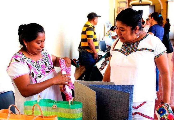 Artesanas de Yucatán se benefician con los recursos del Pacmyc. La imagen está utlizada solo como contexto. (Milenio Novedades)