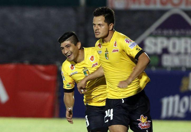 Venados comenzó el torneo derrotando 2-0 a Colima, mientras que Alebrijes cayó derrotado por el mismo marcador ante Atlante.(Milenio Novedades)