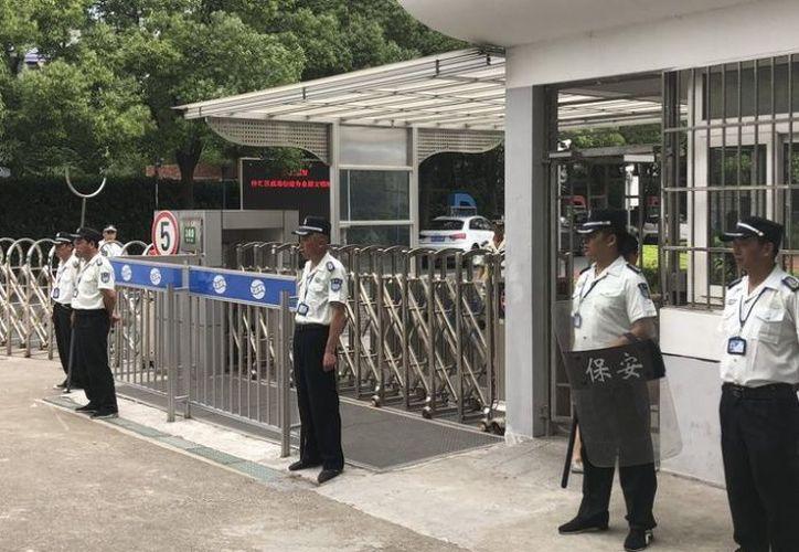 La policía dijo que el hombre, de apellido Huang, llegó a Shanghái a principios de este mes. (El Debate)