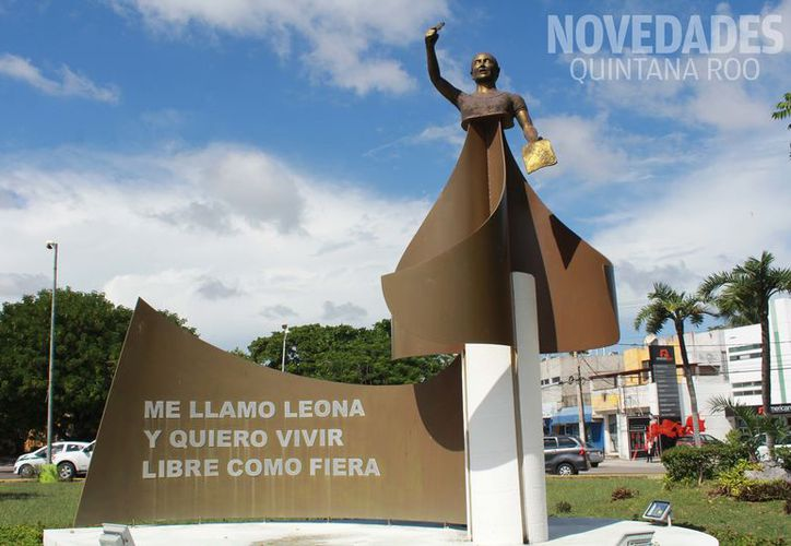 El monumento representa a la mujer que lucha en lealtad a sus ideales en beneficio de otros. (Foto: Jesús Tijerina/SIPSE).