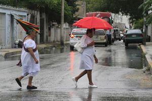 Prevén más lluvias en Cancún