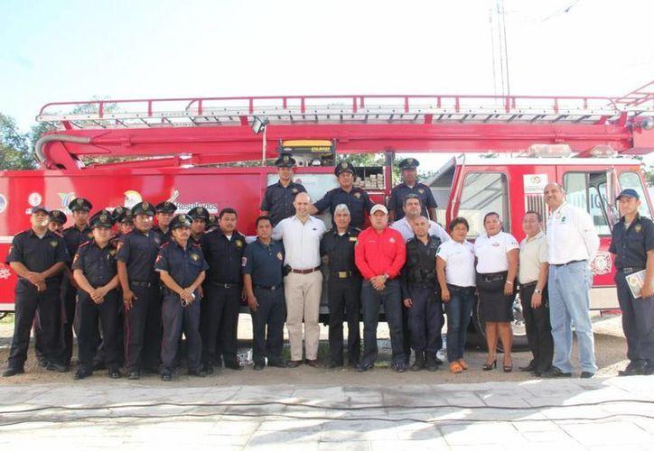 Inició el curso de capacitación a bomberos en el municipio. (Cortesía/SIPSE)