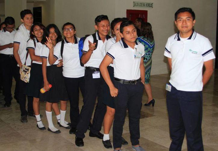 La ciudad de Cancún ostenta mayor cantidad de estudiantes que optan por la modalidad abierta. (Ángel Castilla/SIPSE)