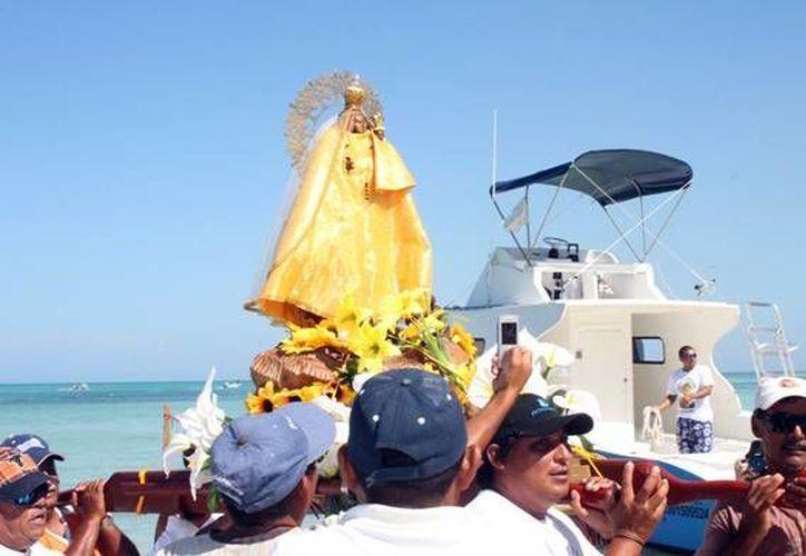 La imagen de la Virgen fue realizada por el artista  cubano Meynando Puentes Girón. (Luis Soto/SIPSE)