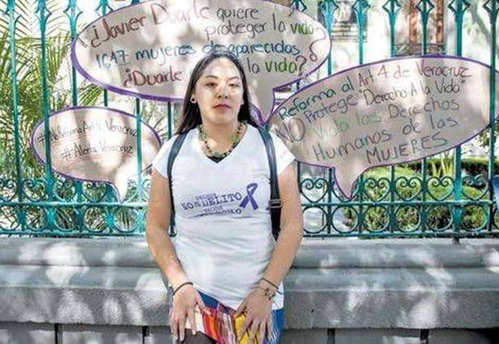 El programa de Libertad de Expresión de Comunicación e Información de la Mujer (CIMAC) reportó que en Veracruz, las periodistas son violentadas por las autoridades, y que desde hace 14 años la violencia contra ellas se incrementó. (Milenio Digital)