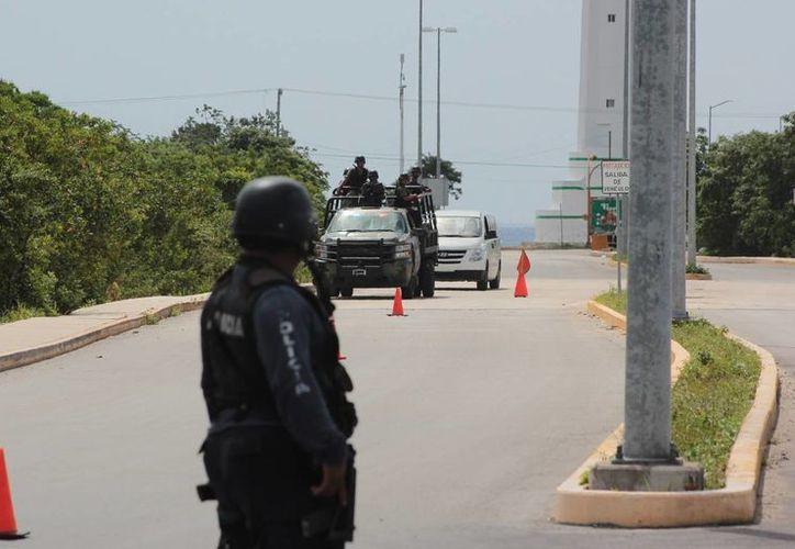 Se coordinan autoridades de seguridad para el operativo de verano. (Gustavo Villegas/SIPSE)