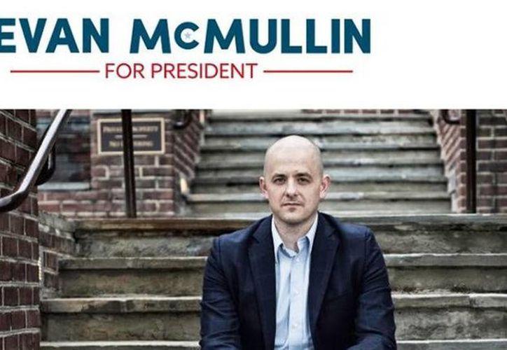 Evan McMullin resulta poco conocido entre los estadounidenses, lo que le augura pocas posibilidades de convertirse en una opción real a Trump. (Excelsior)