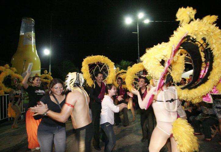 El día de hoy concluyen oficialmente los festejos del Carnaval del Nuevo Sol 2013. (Ernesto Neveu/SIPSE)
