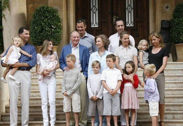 Los registrados son Príncipe Felipe, Príncipes de Asturias, Princesa de Asturias, Princesa Letizia, Infanta Leonor de Borbón e infanta Sofía de Borbón. (Internet)