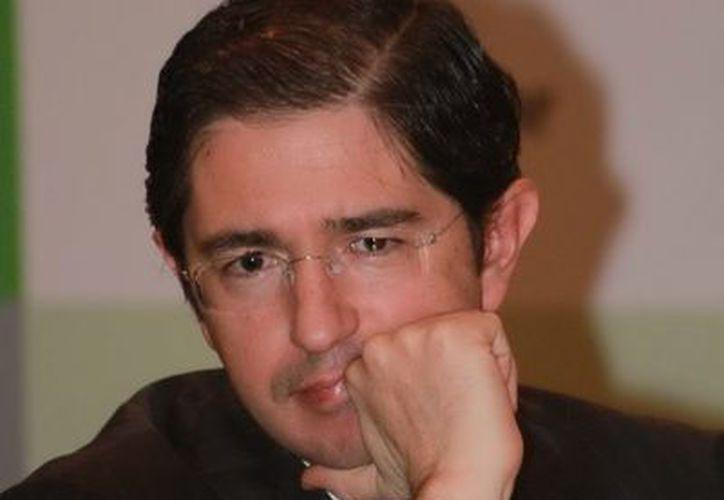 El secretario de Comunicaciones y Transportes, Dionisio Pérez Jácome, durante la presentación del Informe final de la investigación del accidente de Francisco Blake. (Notimex)