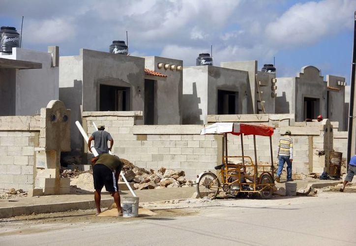El año pasado se construyeron 10 mil 500 casas y todas se vendieron. Aseguran que va a buen ritmo la construcción de viviendas este año. (Milenio Novedades)