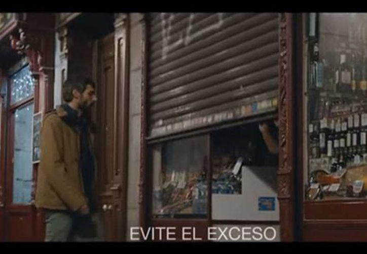 Tecate lanzó una campaña publicitaria denominada 'Un México sin violencia contra las mujeres' en momentos en que el país registra un aumento en delitos contra ese sector de la población. (Captura de pantalla)