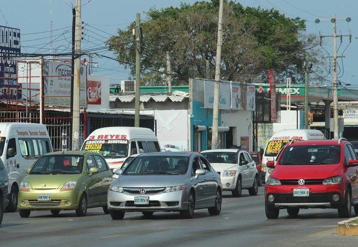 Menos de la mitad de los autos en Cancún están asegurados. (Jesús Tijerina/SIPSE)