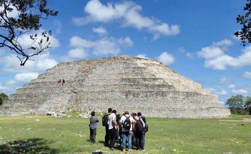 El Kinich Kakmó es el basamento más voluminoso del norte de Yucatán y el tercero más grande del país. (Novedades Yucatán)