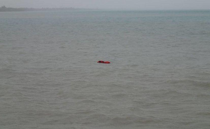 La embarcación quedó completamente sumergida. (Harold Alcocer/SIPSE)
