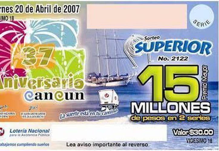 Cancún, fue imagen de la Lotería Nacional al cumplir 34 años.  (Contexto/SIPSE)