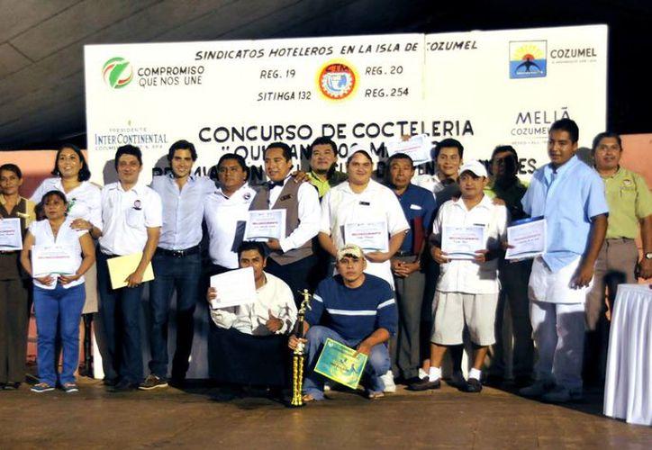 En el concurso participaron 40 trabajadores del sector hotelero. (Cortesía/SIPSE)