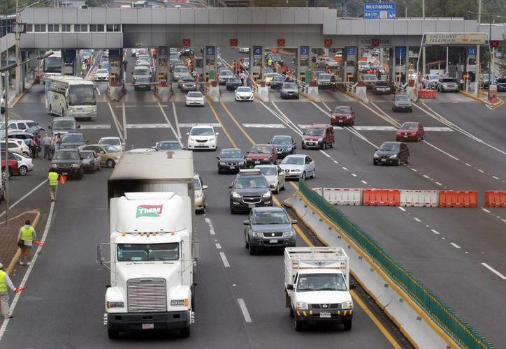 El seguro obligatorio para autos no será deducible de impuestos. (Archivo/Notimex)