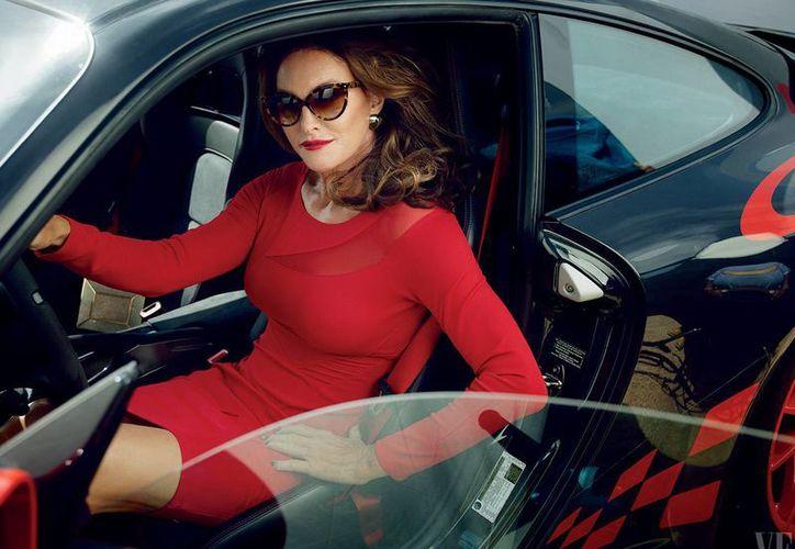Caitlyn Jenner en foto del más reciente número de la revista  Vanity Fair. (Foto: vanityfair.com)