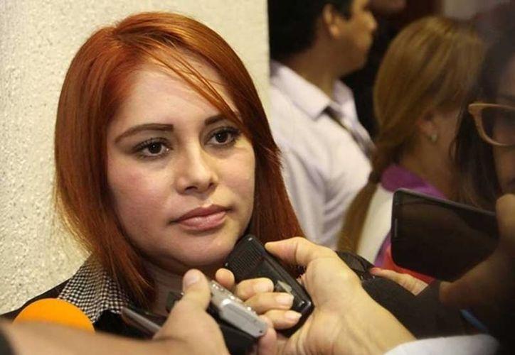 La diputada sinaloense Lucero Guadalupe Sánchez López fue interceptada por la Policía Federal en el Aeropuerto de Culiacán. (noticiasmvs.com)