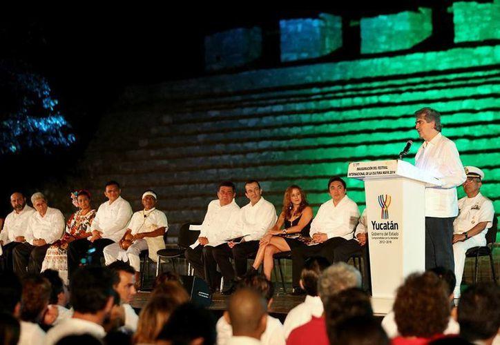 El presidente del Conaculta, Rafael Tovar y de Teresa, pronunció un mensaje en el que elogió al FICMaya, por su proyección internacional. (SIPSE)