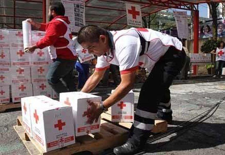 Se pretende llenar un tráiler de la Cruz Roja de 23 toneladas, para que salga mañana con la ayuda. (Milenio Novedades)