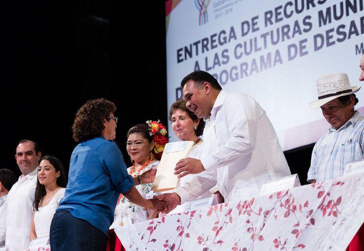 Entregan apoyos a grupos artísticos de la entidad. (Cortesía/ DGCS)