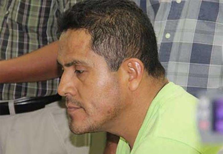 Filiberto Hernández, que fungió como militar y catequista años atrás, asegura que sólo es culpable de embarazar a su hijastra de 17 años. (Excélsior)