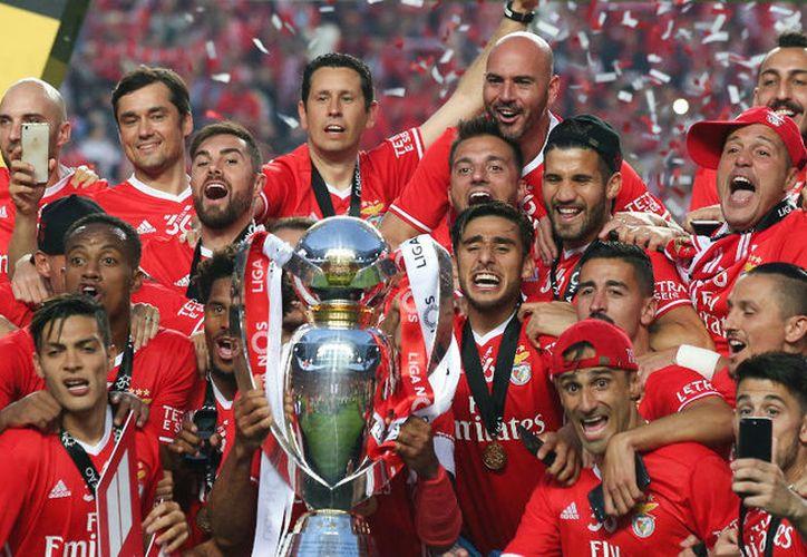 """Los """"encarnados"""" acaban campeones con 81 puntos.  (Foto AFP)"""