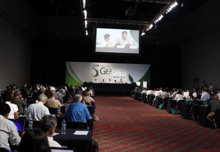 Realizan el Foro Social de la quinta asamblea del Fondo para el Medio Ambiente Mundial. (Israel Leal/SIPSE)