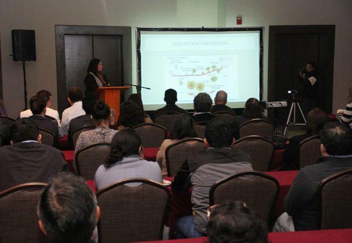 El 'Precongreso' para médicos no reumatologos se llevó a cabo hoy en el Hotel Presidente Intercontinental. (Jorge Acosta/SIPSE)