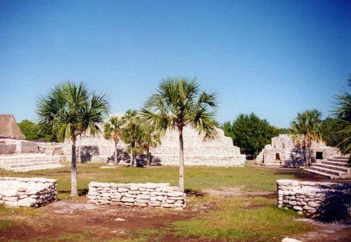 Se incrementó el derecho para visitar las zonas arqueológicas de Yucatán, según anunció el INAH. En la foto,  vista panorámica de Xcambó. (mayas.uady.mx)