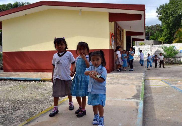 Se dio mantenimiento a 38 planteles educativos, además de que se entregó mobiliario. (Milenio Novedades)