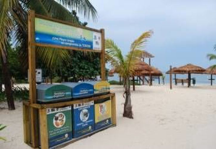 Las Perlas fue nombrada como la primera playa pública certificada en octubre del año pasado, y hoy fue develada la placa. (Redacción/SIPSE)