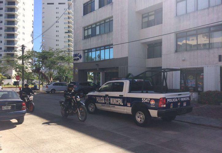 Dos sujetos le robaron a una persona $200 mil durante la mañana de ayer en el centro Cancún. (Redacción/SIPSE)
