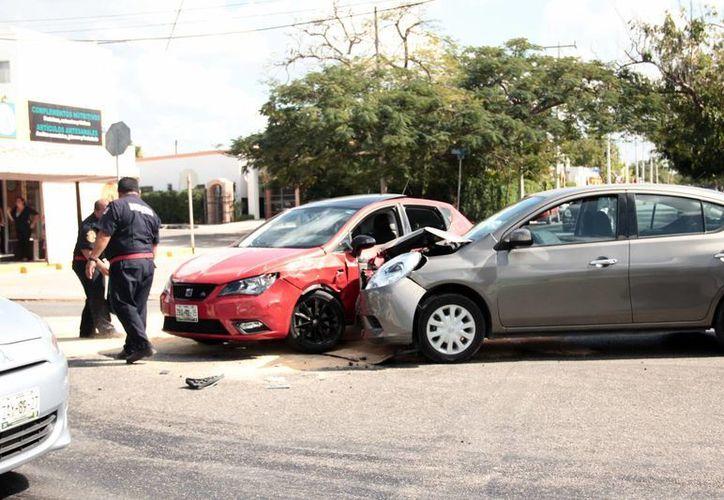 Los accidentes automovilísticos es lo que más auxilian la Cruz Roja. (Jorge Acosta/Milenio Novedades)