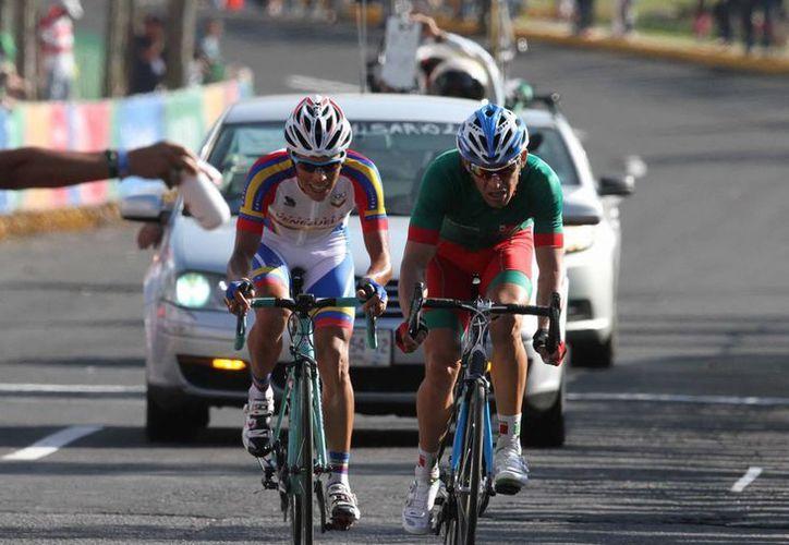 México obtuvo dos títulos continentales en el Campeonato Panamericano de Ciclismo desarrollado en Aguascalientes: uno en el Kerin, y otro en la persecución por equipos femenil. (Foto de contexto de Notimex)