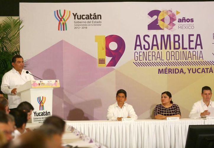 El secretario de Gobierno, Víctor Caballero Durán, en la inauguración de la Asamblea General Ordinaria de la Red de Radiodifusoras y Televisoras Educativas y Culturales de México. (SIPSE)