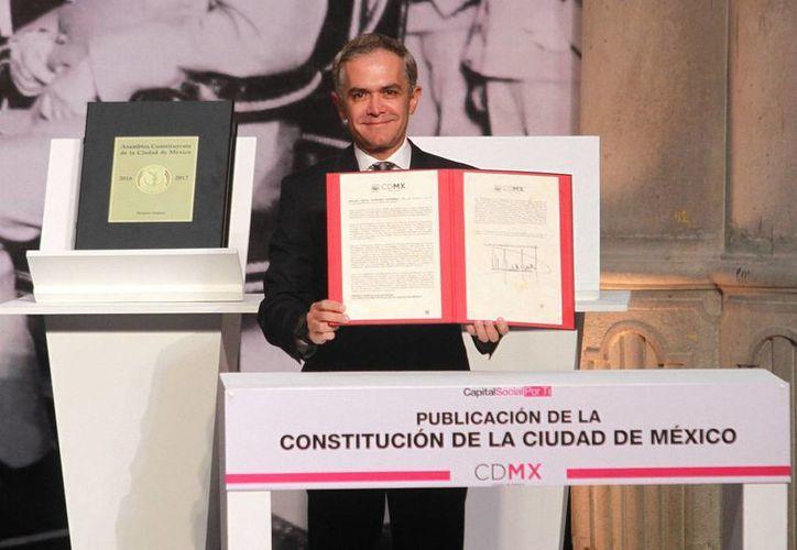 El domingo fue promulgada el texto que rige la vida de los habitantes de la Ciudad de México. (Archivo/Notimex)