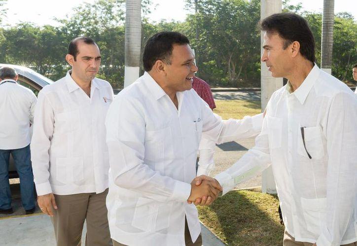 Una de las actividades que el gobernador Rolando Zapata realizará este jueves es la entrega de aparatos de cómputo a micro y pequeñas empresas. (SIPSE)