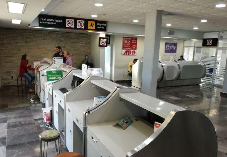 La empresa tomo la decisión, ante la baja demanda de pasajeros entre la capital del país y Chetumal en enero. (Joel Zamora/SIPSE)