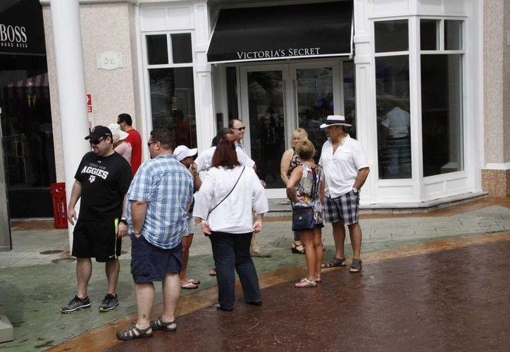 Los turistas de lujo gastan  hasta tres veces más a la media que es de mil 500 dólares. (Tomás Álvarez/SIPSE)
